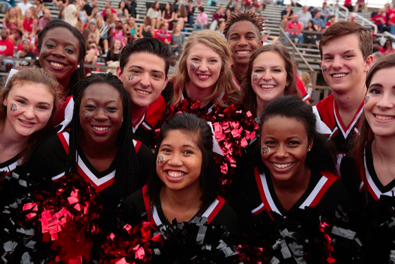Rhodes cheer team in 2016